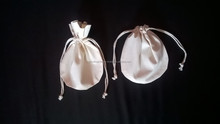 Round shaped Muslin bag/unbleached cotton drawstring pouch