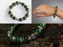 Bracelet with jade with elastic band
