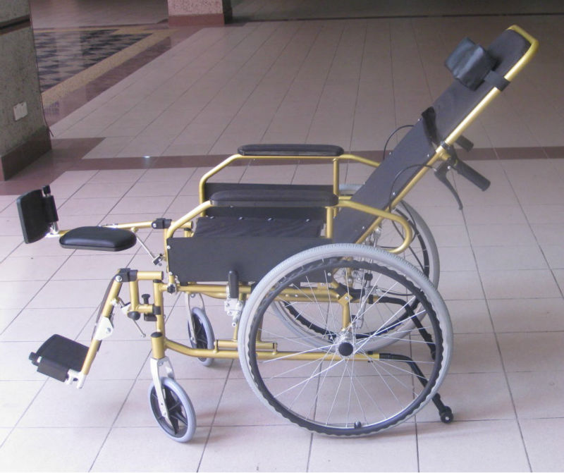 Reclining lightweight wheelchair p16