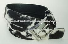Negro de pelo en el cuero del cinturón/cinturón casual