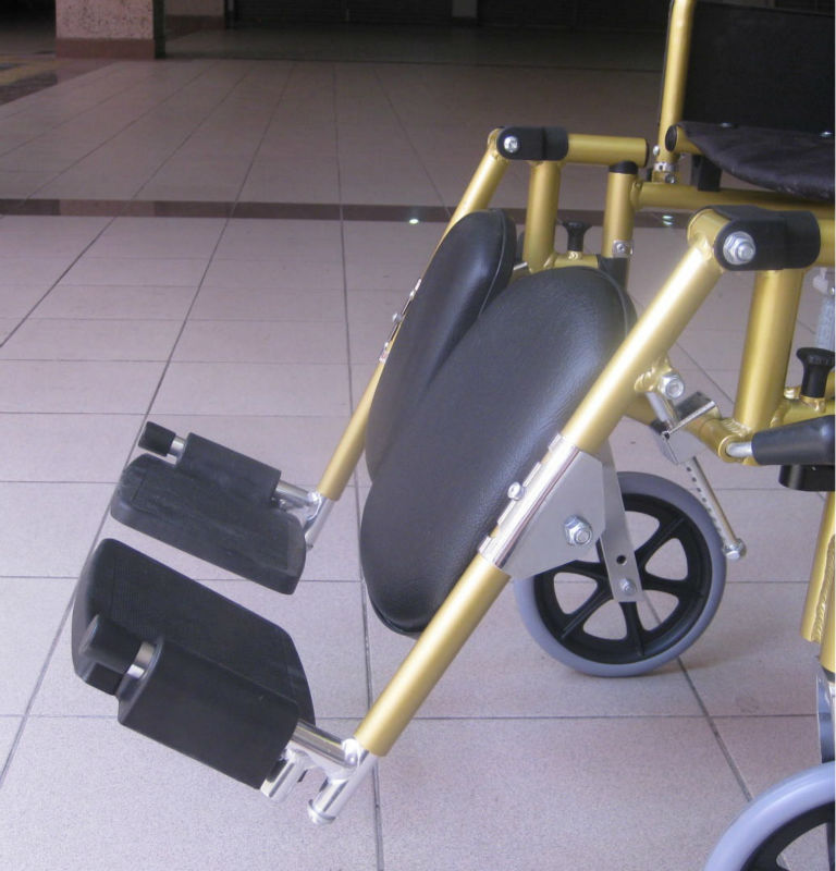 Reclining lightweight wheelchair p11