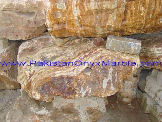 green-onyx-boulders-03.jpg