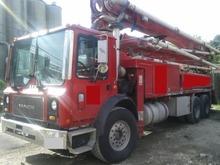 2007 Mack MR688S