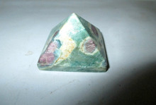 Gemstone Plain Pyramid 8