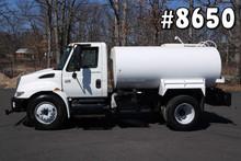 8650 - 2006 INTERNATIONAL 4300; LEDWELL WATER / SPRAY BODY 2K GAL