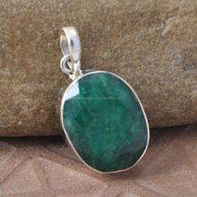 Handmade Silver Jewelry manufacturer 925 Emerald Gemstone Pendant Best Exporter Jewelry