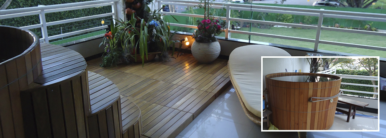FlexDeck Premium High-End Interlocking Hardwood Deck Tile