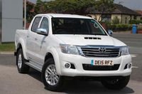 USED PICKUP - TOYOTA HILUX 2.5D-4D ACTIVE 4WD CREWCAB PICK-UP (RHD 8090303)