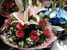 Fresh Flowers Arrangements by Cetro Flower Shop