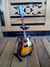 Miniature guitar in scale Gibsonreplica - Music Art collectible model Export Quality