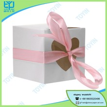 Beautiful small foldable white paper box