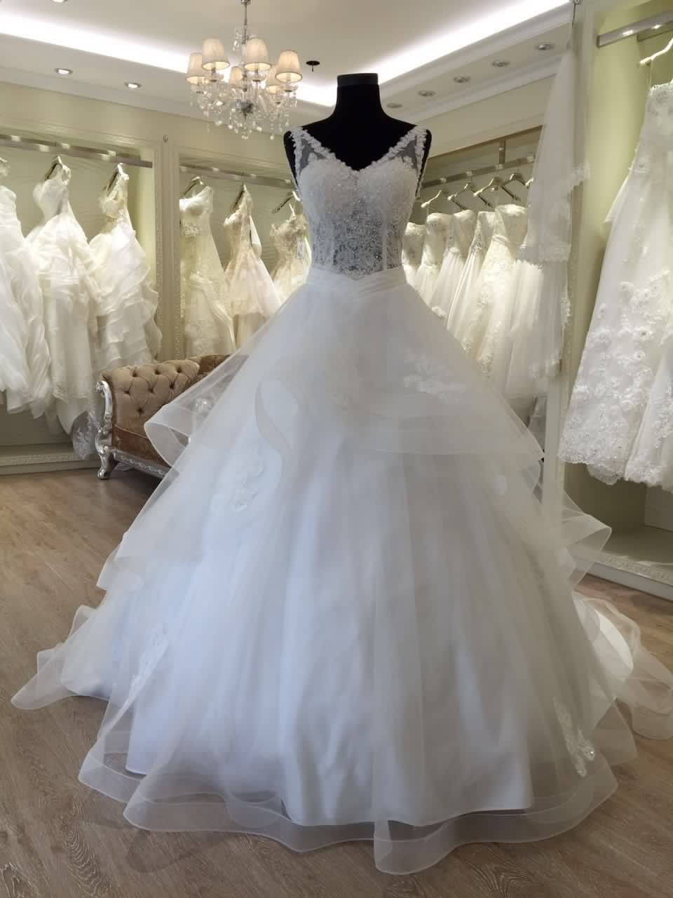 Beautiful Princess V Neck Wedding Dresses In Turkey Istanbul