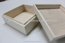 Handmade cheap small Japanese wooden box for packaging wholesale for small valuable , jewelry with classical traditional box