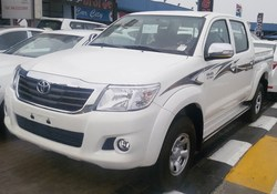 TOYOTA HILUX 4X4 2.7 2015 AUTOMATIC!!!