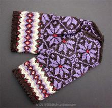 socks,gloves,hats,scarves