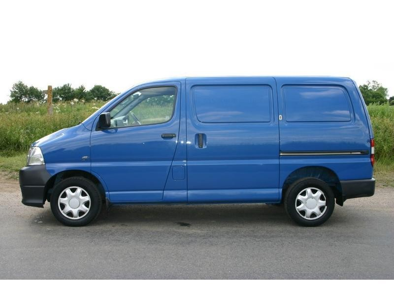 Original  Ambulance And Motorhome Used Toyota Hiace 2003 Toyota Hiace Pictures