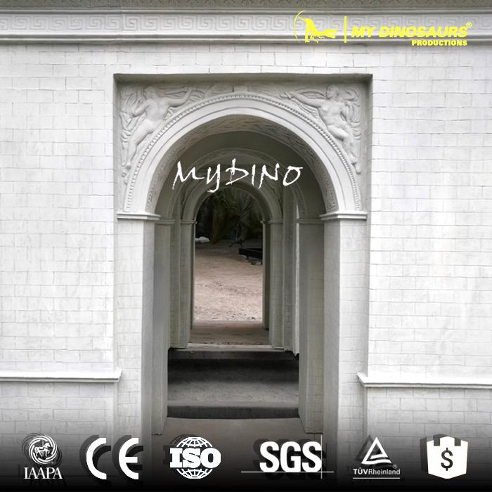 mini world sculpture triumphal arch.jpg